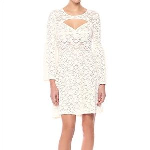 BCBGMAXAZRIA white lace dress-long bell sleeves
